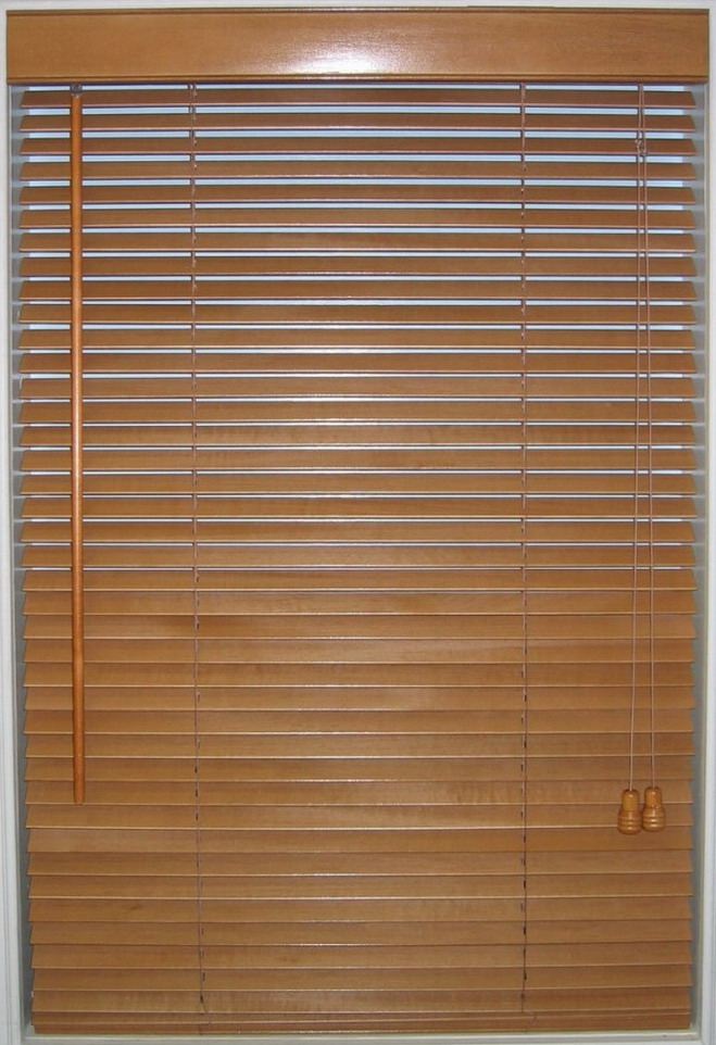 decor shoestring wooden venetian blinds